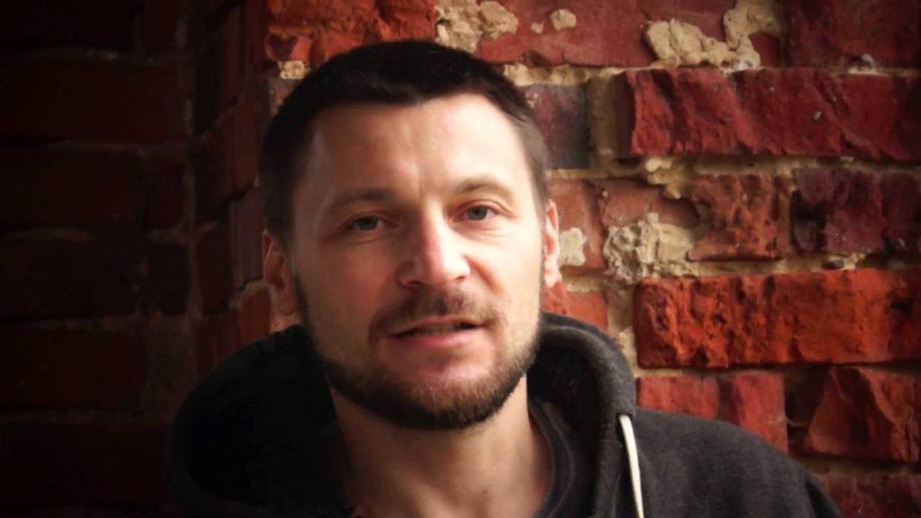Aleksander Sowa powraca z nową książką. Inspirowana najsłynniejszym porwaniem III RP
