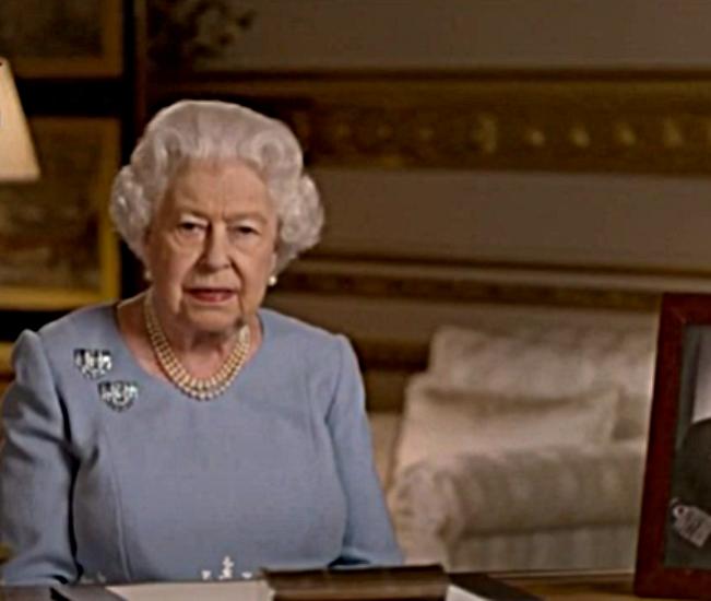 Królowa Elżbieta II ma dylemat