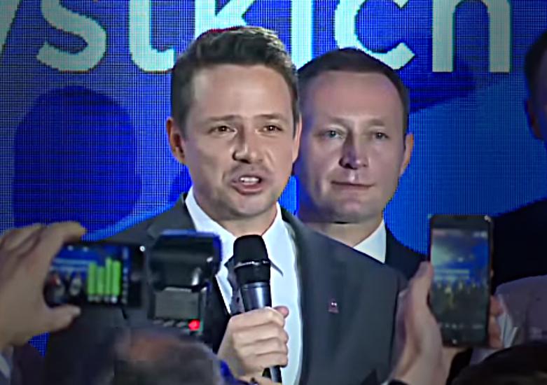 Emeryci zadowoleni. Rafał Trzaskowski zapowiada wyższe emerytury